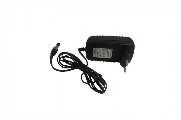 Actionbikes Elektroauto-VW-Golf-Ladegert-15V-1000mA 5052303031383037322D3031 01 OL 1620x1080